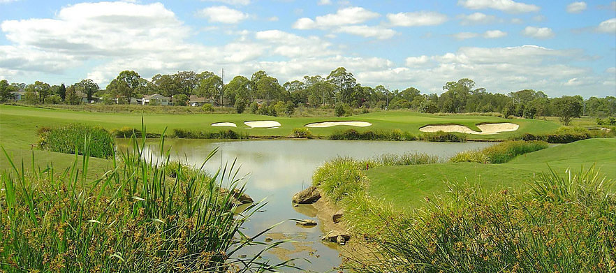 Golf For Two with Cart, Range Balls & Drinks at Macquarie Links International