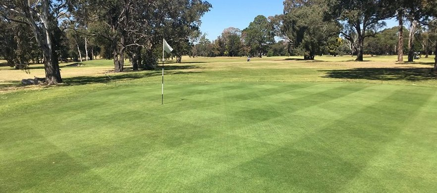Georges River Golf Course (Weekend)  - 18 Holes for 2 & Range Balls!