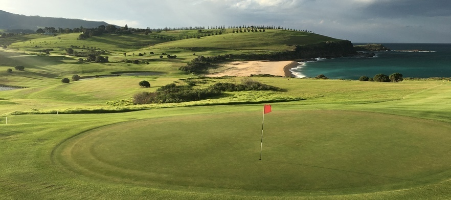18 Holes for Two in a Motorised Cart at the Stunning Gerringong Golf Club!