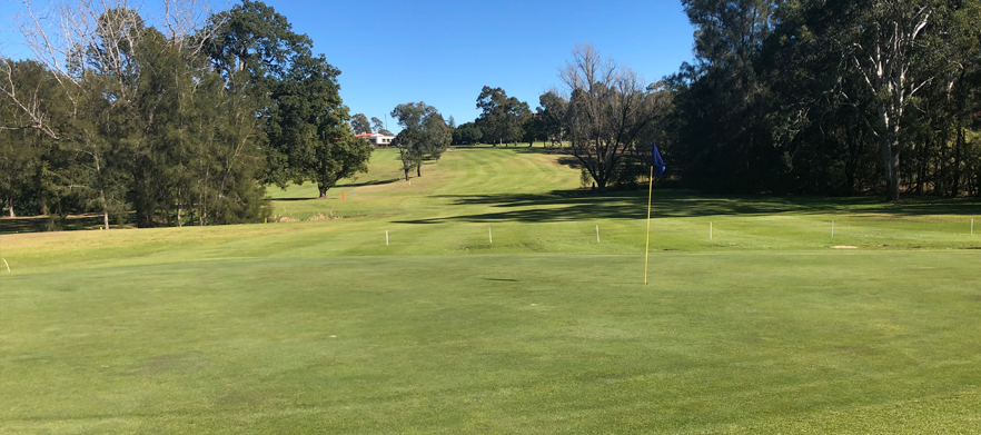 18 Holes For Two in a Cart with Drinks at Wallacia Golf Club