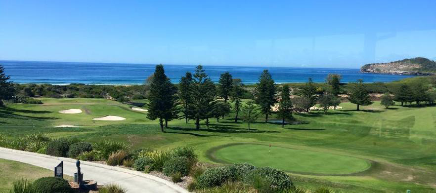 One of Sydney's Gems! 18 Holes for Two with Drinks at the Stunning Mona Vale Golf Club!
