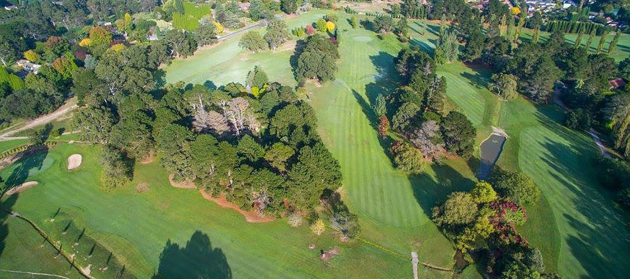 1 Night Stay at Peppers Craigieburn with Breakfasts, Golf at Bowral Golf Club & More.
