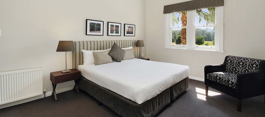 1 Night Stay at Peppers Craigieburn with Breakfasts, Golf at Highlands Golf Club & More.
